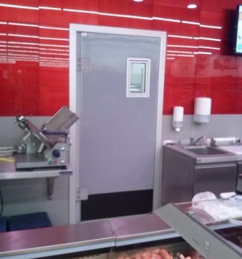 montaż drzwi brzeg